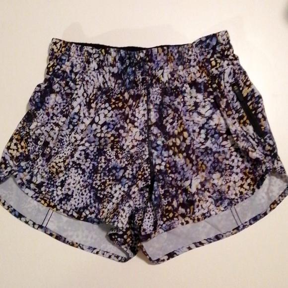 Lululemon EUC Low Rise Tracker Shorts size 6
